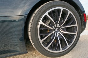 Car-pictures-2011-buggati-super-sport-tire-most-expensive-sports-cars